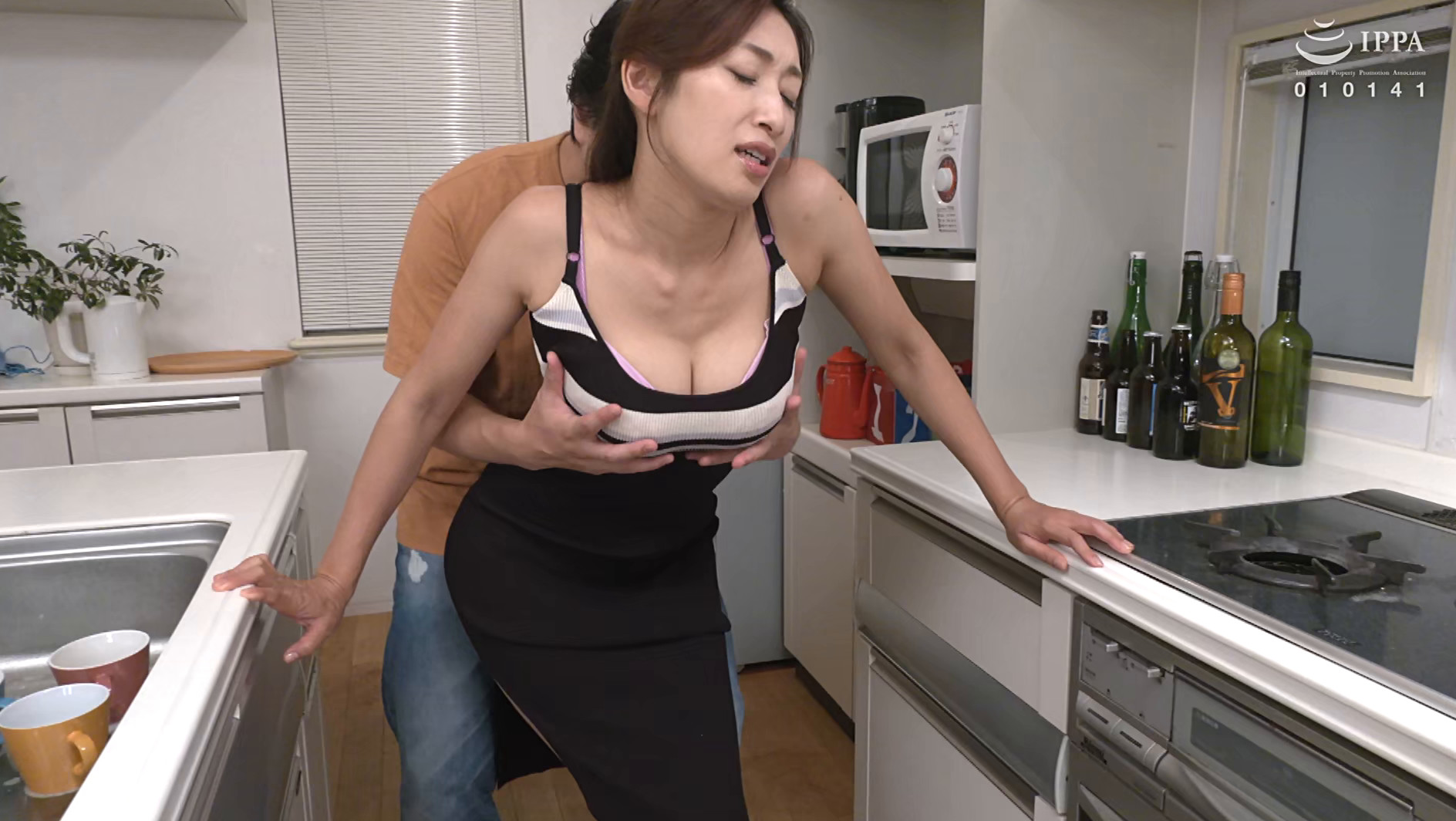 偶然見てしまったおばさんの裸体が目に焼き付いて・・・あの日からおばさんが服を着ていても全裸に見えてしまう僕 小早川怜子 画像18