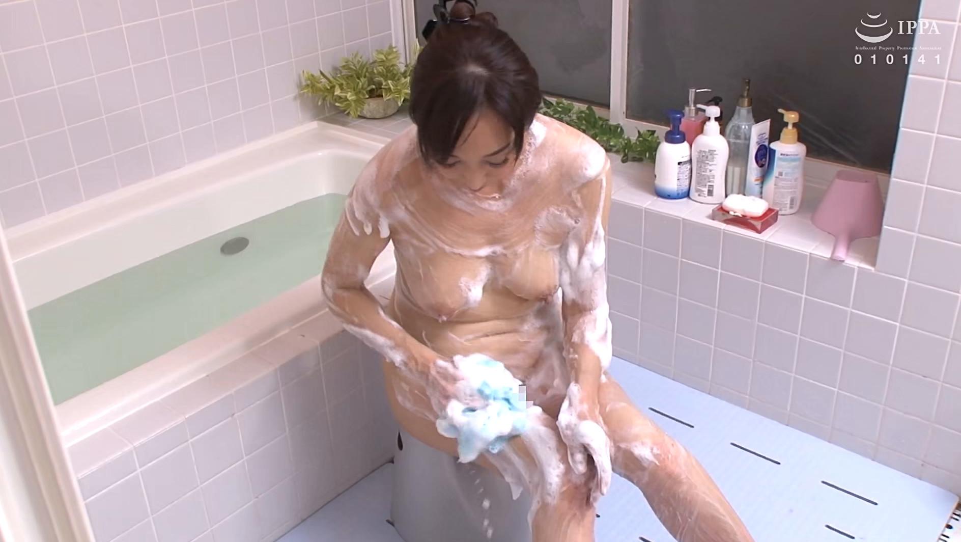 濡れそぼる、母の乳房を、見ていたら。DX 10人4時間 画像1