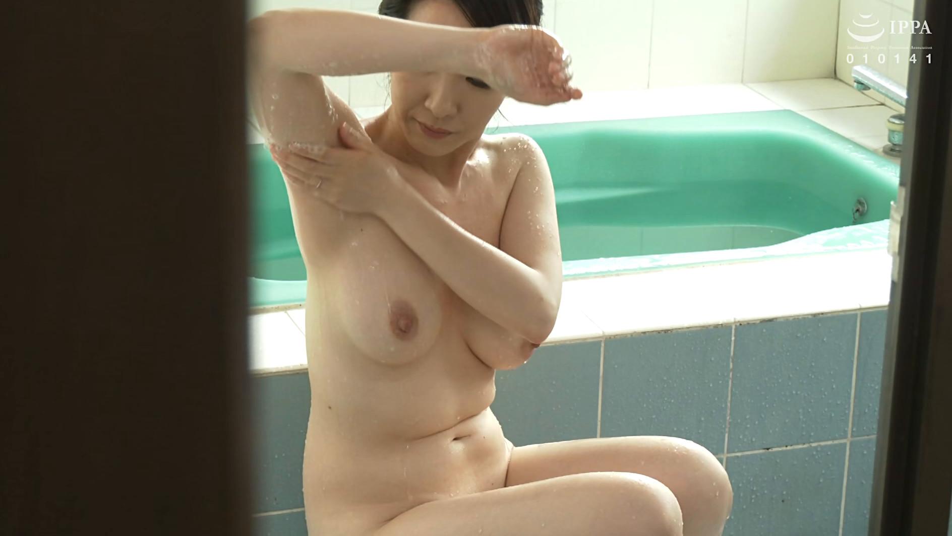 濡れそぼる、母の乳房を、見ていたら。DX 10人4時間 画像11