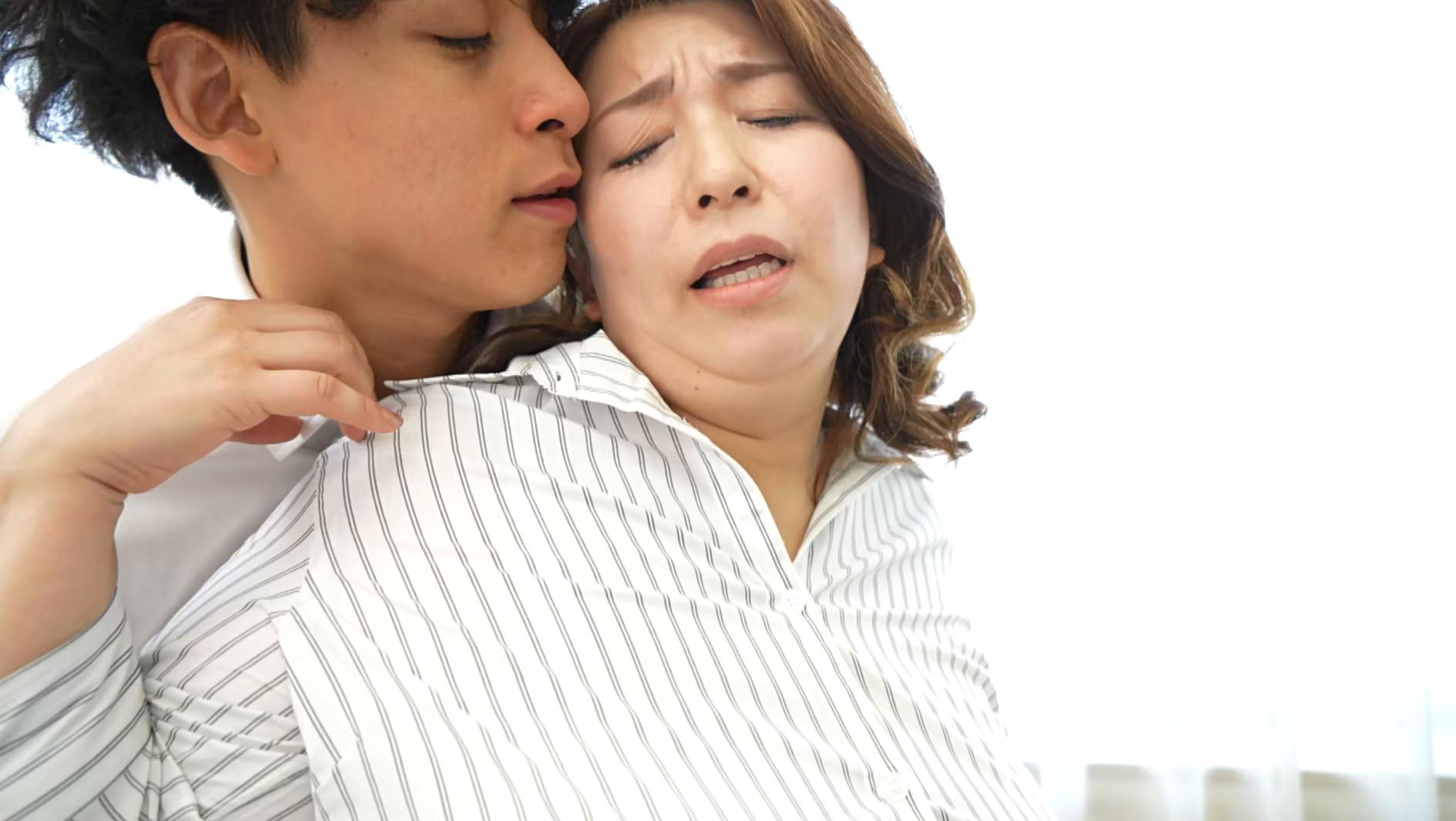 声が出せない絶頂授業で10倍濡れる人妻教師 折原ゆかり 画像4