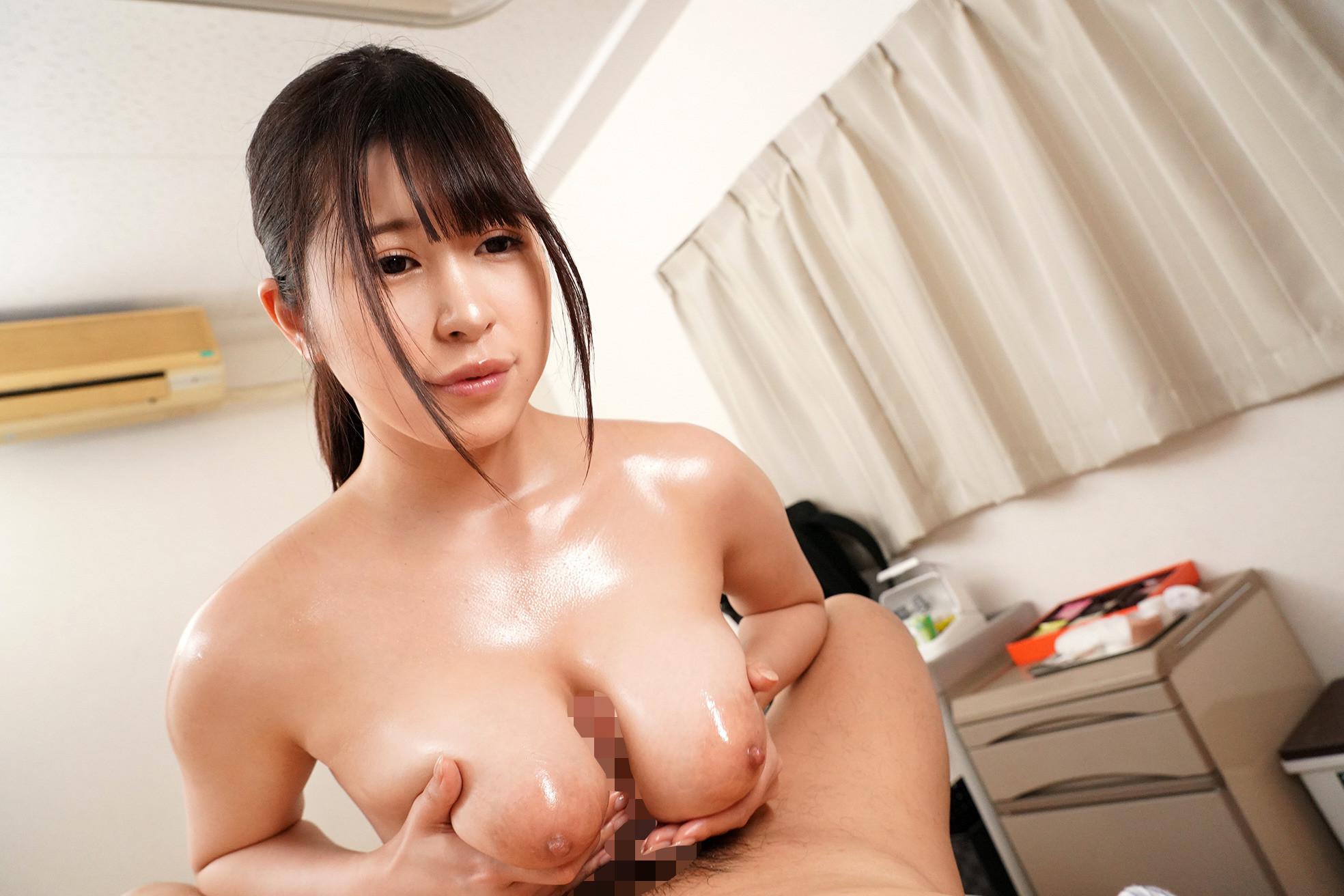 お願いされたら断れない!献身的なパイズリ狭射で性処理してくれるIカップ看護師 有岡さん 画像7