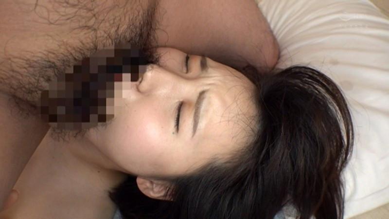 「私、男の人に汚されたいです」普段キャディーをしているちっぱい美少女にイラマ、アナル舐め、大量ぶっかけ 画像18