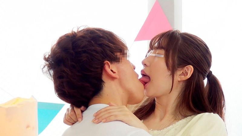 一般男女モニタリングAV 素人女子大生限定!恋人がいない大学生の男女はキスだけで恋に落ちて初対面の相手とSEXしてしまうのか?惹かれあった2人のキスまみれの完全プライベートSEXを大公開!! 8 初めての生中出しスペシャル!!