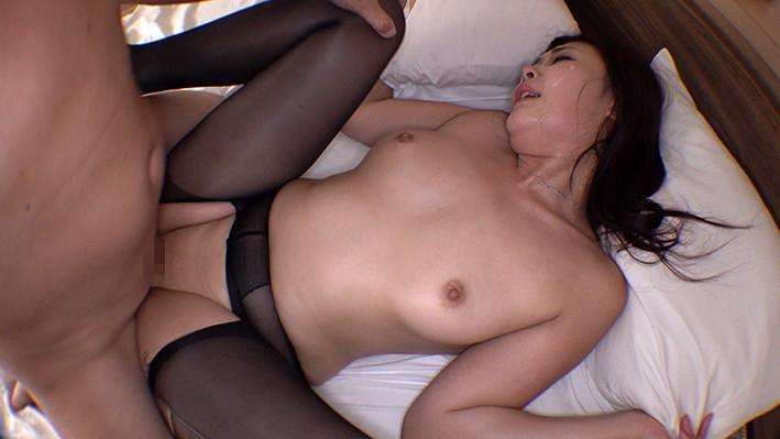 THE ドキュメント 本能丸出しでする絶頂SEX 高身長美人妻悶絶輪●狂い 七咲琴乃 画像9
