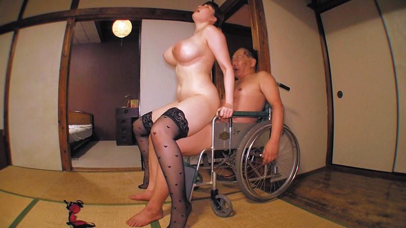 乳首びんびんドスケベ介護士 でか乳でか尻のマラ好き最強淫乱痴女 画像10