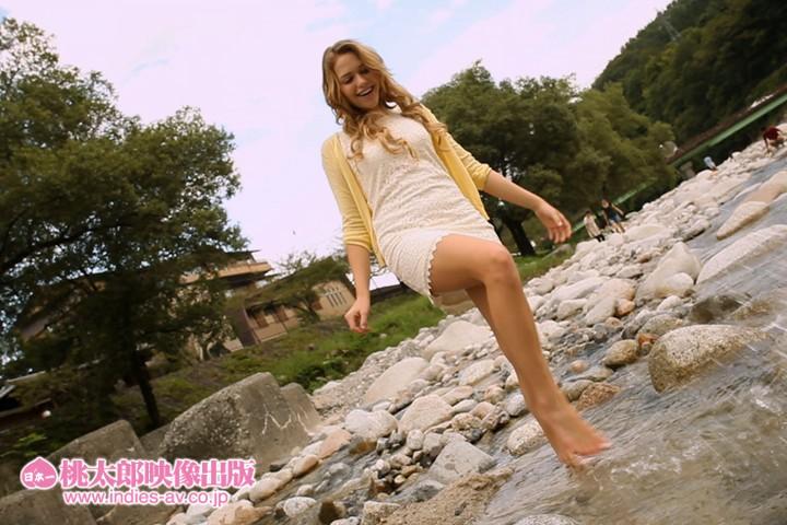 温泉旅恋~天使を貸切~世界で一番かわいい花嫁さん ミア・楓・キャメロン a.k.a. Mia Malkova 画像1