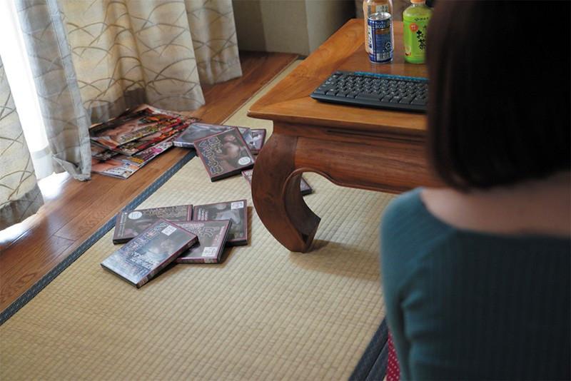 人妻 麻耶 肉体労働者にメチャクチャにされたい妻 竹内麻耶 画像4