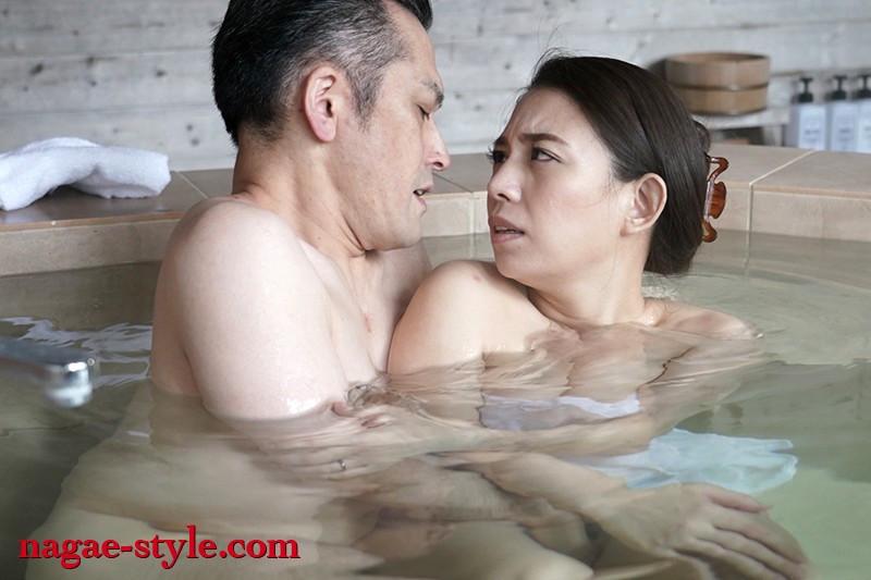 愛する妻と旅先で・・ 寝取らせ旅行 織田真子 画像19
