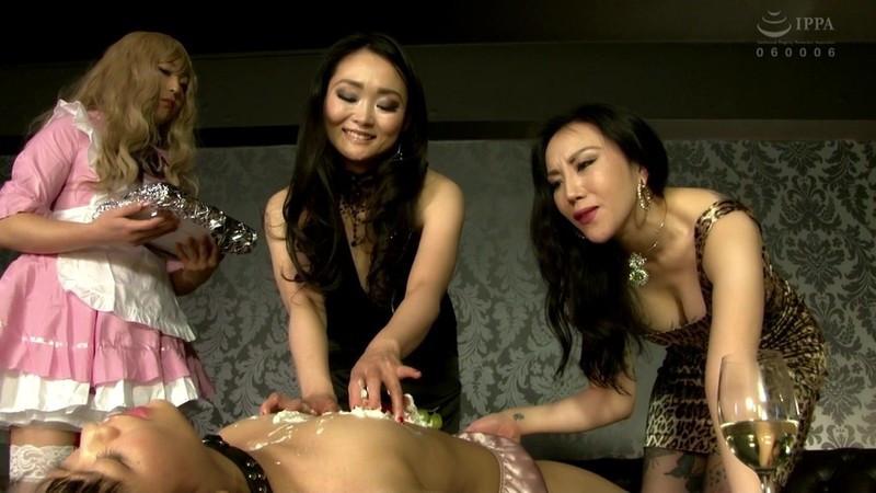 レズ堕ち 女王様とセレブ妻と美形女装娘 画像12