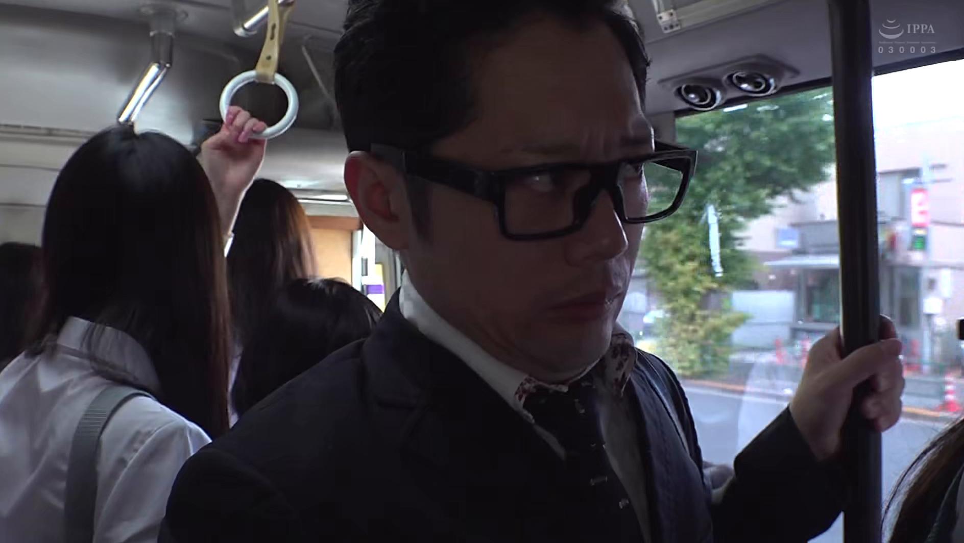 制服女子ぎゅうぎゅう痴漢バス 画像1