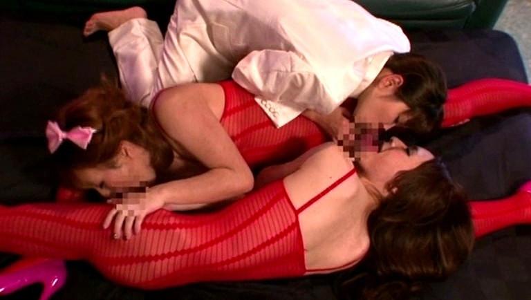 ニューハーフ湯本千夏とLISAの精液を最後の一滴まで搾り取る強制射精!!vs星優乃の止まらない潮吹き!! 画像12