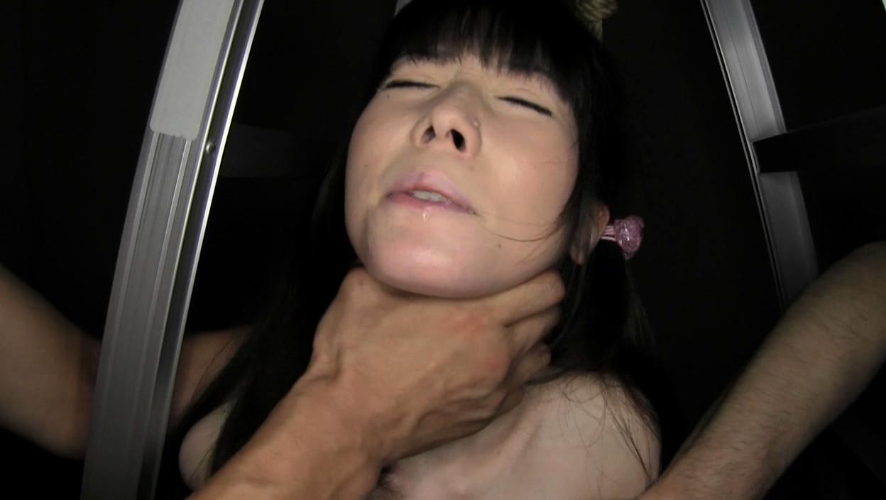 貧乳パイパン生中出し少女 琴音さら 首絞め首吊り失神悶絶SEX 画像17