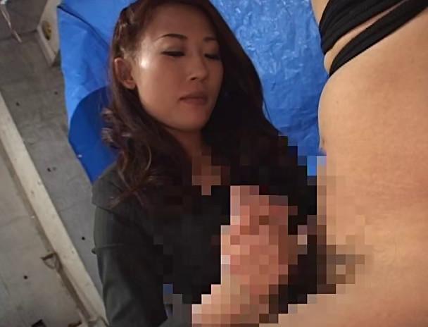 パワハラ美人上司の接吻手コキシゴき 画像15