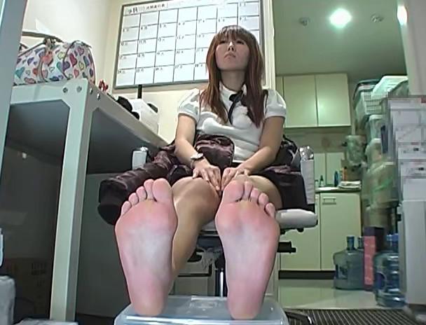スカウトされたての新人女優の足裏チェック 2 画像7