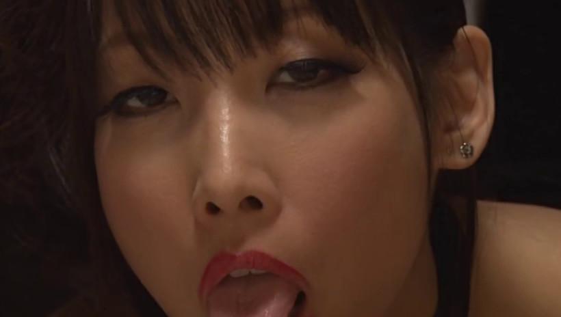 淫語シャワー 熟女の口から発せられる淫らな言葉のシャワーをあびながら抜かれた 画像8