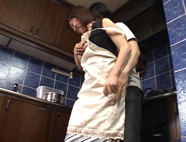 新・母子相姦遊戯 母と子 #21 東千津子 葉月樹里 画像2