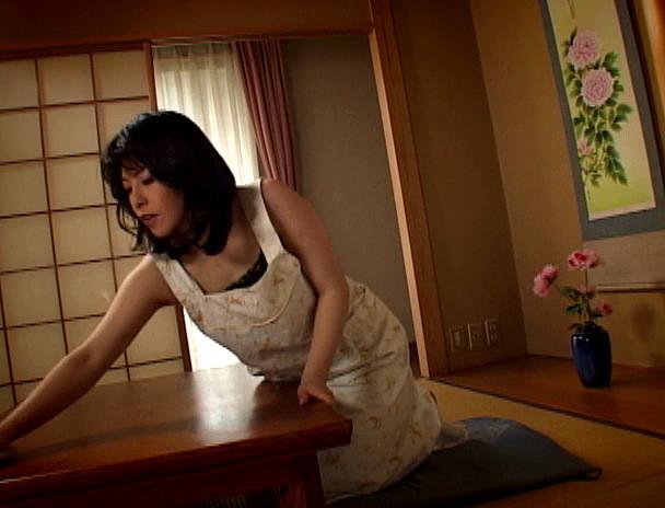 新近親遊戯 淫母相姦#13 久米かおる 画像15