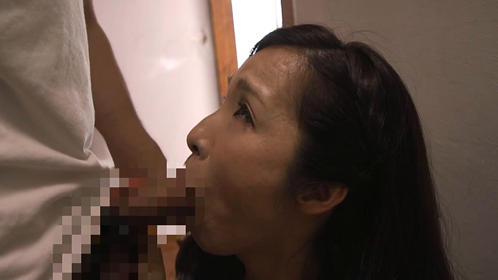 真・異常性交 四十路母と子 其ノ拾参 若い肉棒の誘惑に負け、息子とまぐわう発情母 黒木まり 43歳,のサンプル画像21