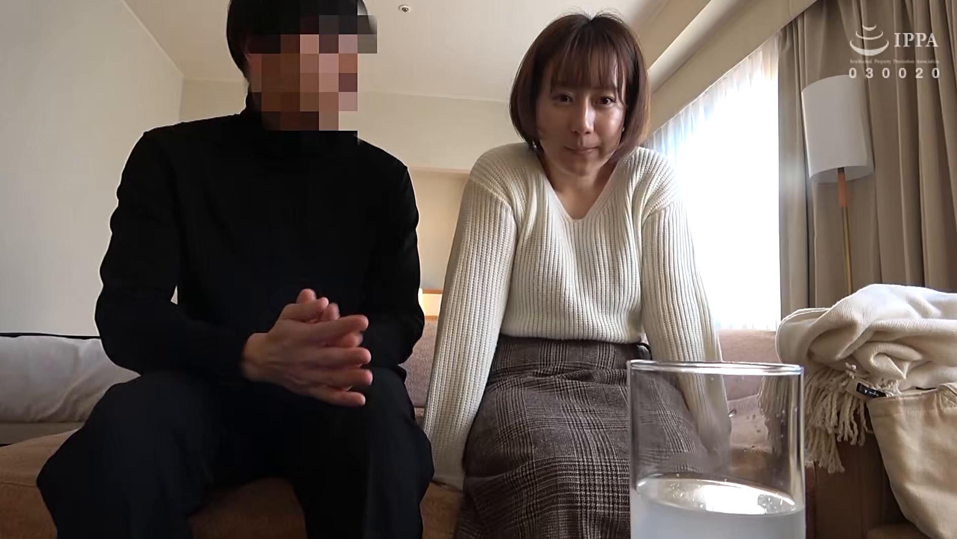 人妻自撮りNTR 寝取られ報告ビデオ 15 人妻・汐里(仮名) 二十七歳、結婚六年目 子供なし、介護士 画像2