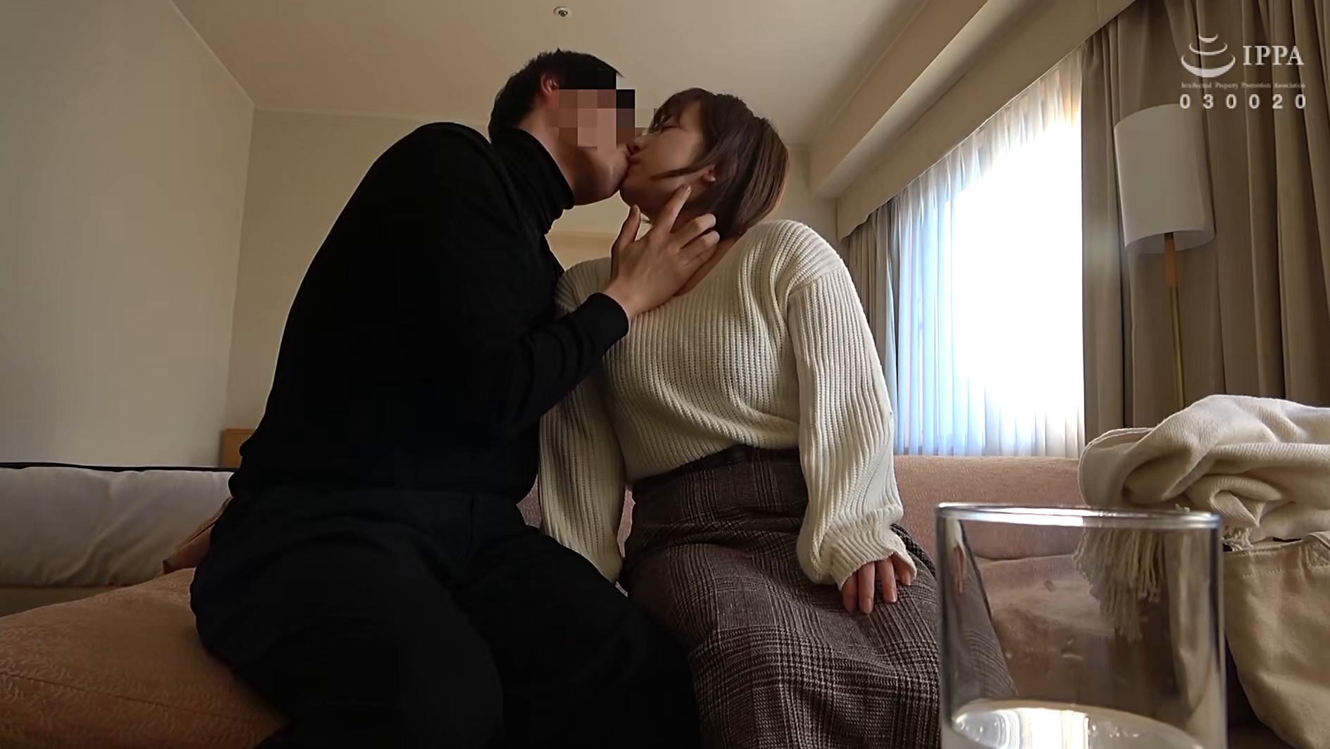人妻自撮りNTR 寝取られ報告ビデオ 15 人妻・汐里(仮名) 二十七歳、結婚六年目 子供なし、介護士 画像3