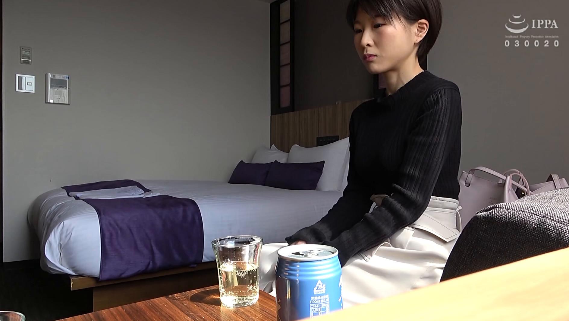 人妻自撮りNTR 寝取られ報告ビデオ 17 人妻・公佳(仮名) 二十九歳、結婚二年目 子供なし、弁護士