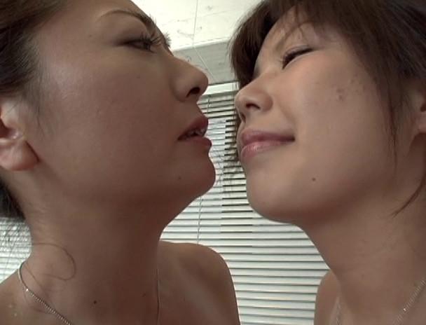 近親相姦シリーズ特別編 下巻 美人巨乳三姉妹 画像16