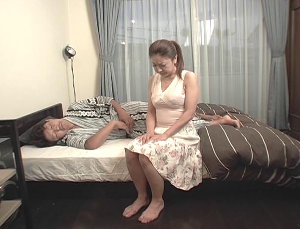 近親相姦シリーズ特別編 下巻 美人巨乳三姉妹 画像21