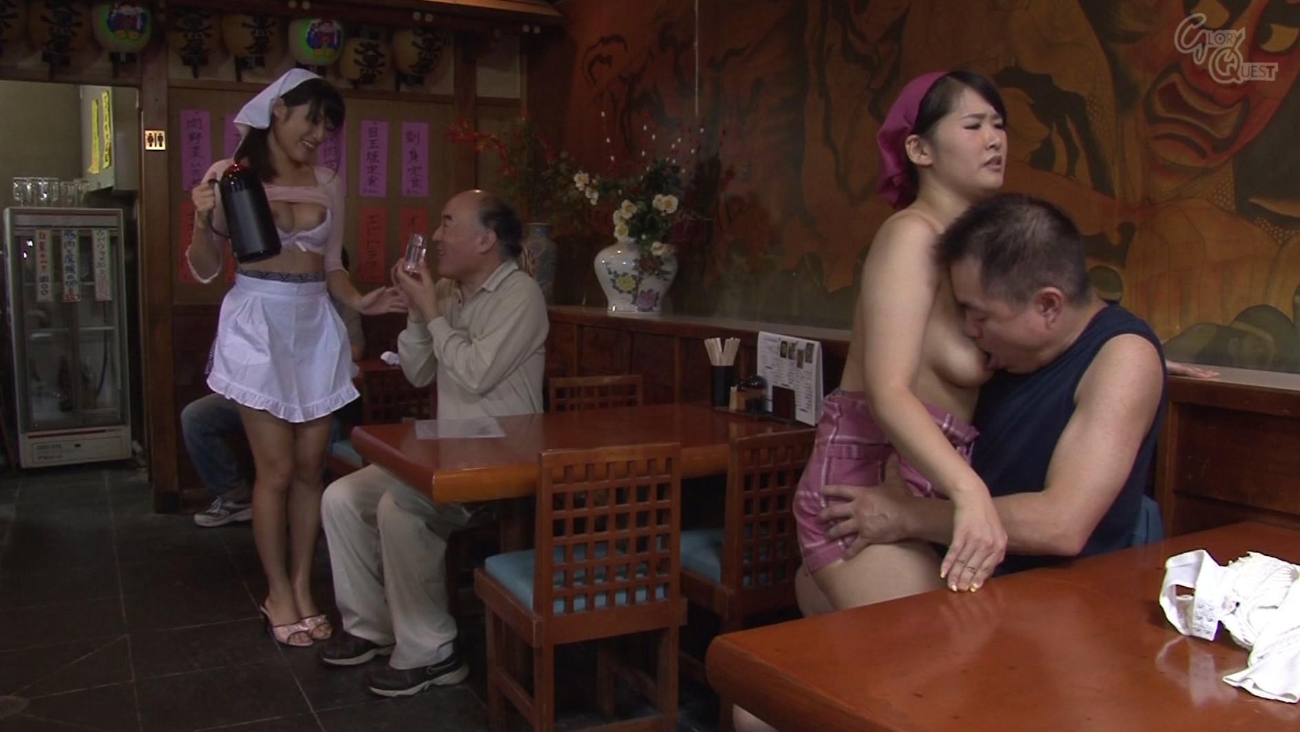 ベロチュー好きな巨乳人妻と中出しできる定食屋さん 春原未来 真木今日子 沖田奈々 画像10