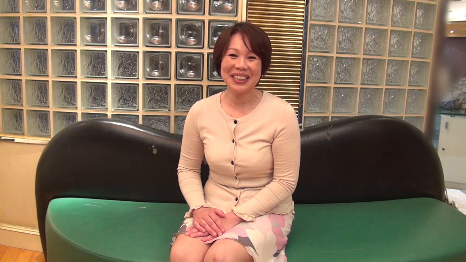 【五十路】応募素人妻 未知子さん 52歳,のサンプル画像1