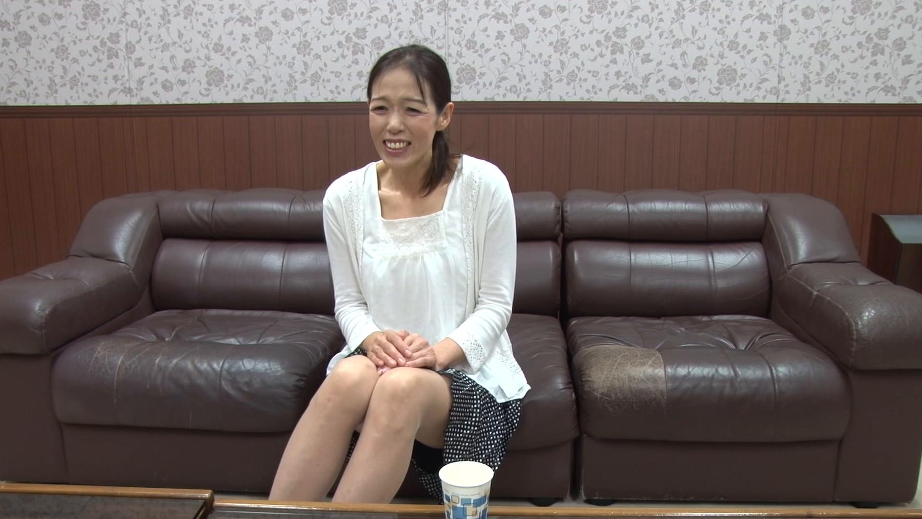 【五十路】応募素人妻 百合子さん 53歳 画像1