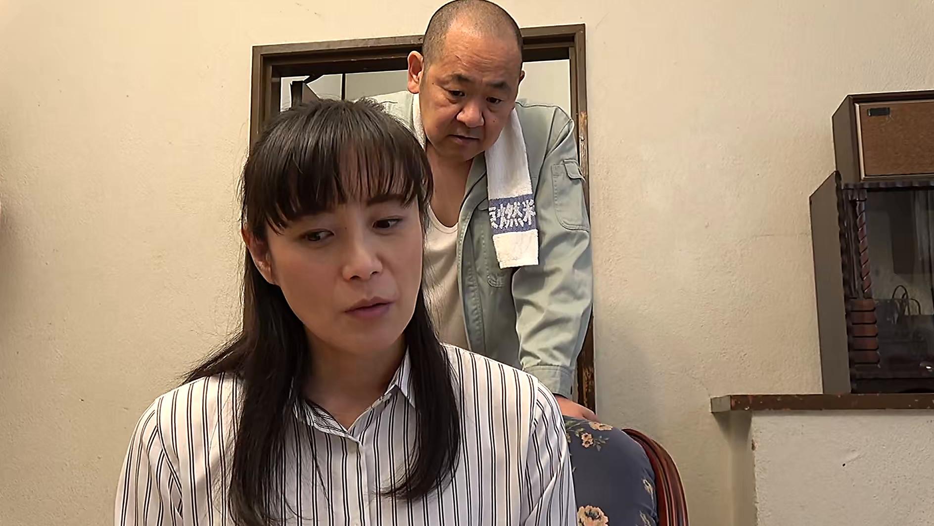 【四十路】芝居素人妻 里枝子 46歳,のサンプル画像1