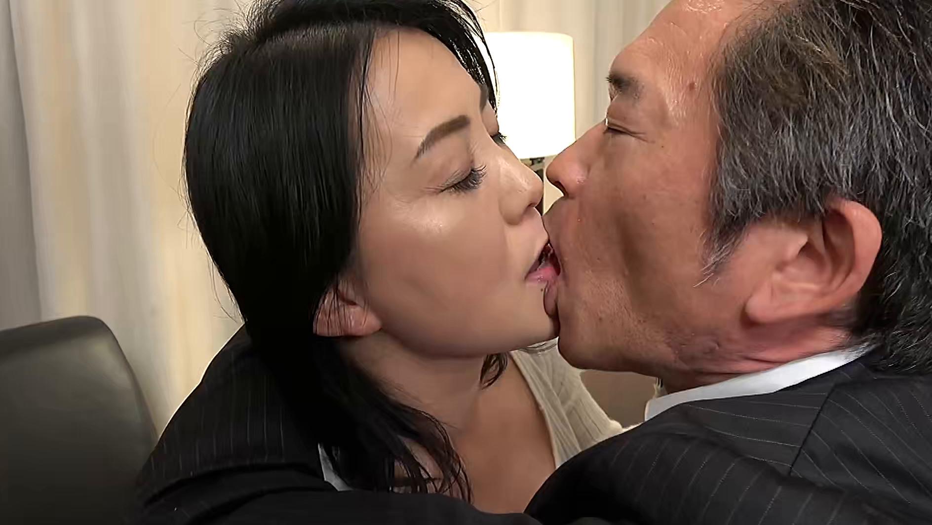 【五十路】飲酒ホロ酔い妻 京佳 52歳 画像2
