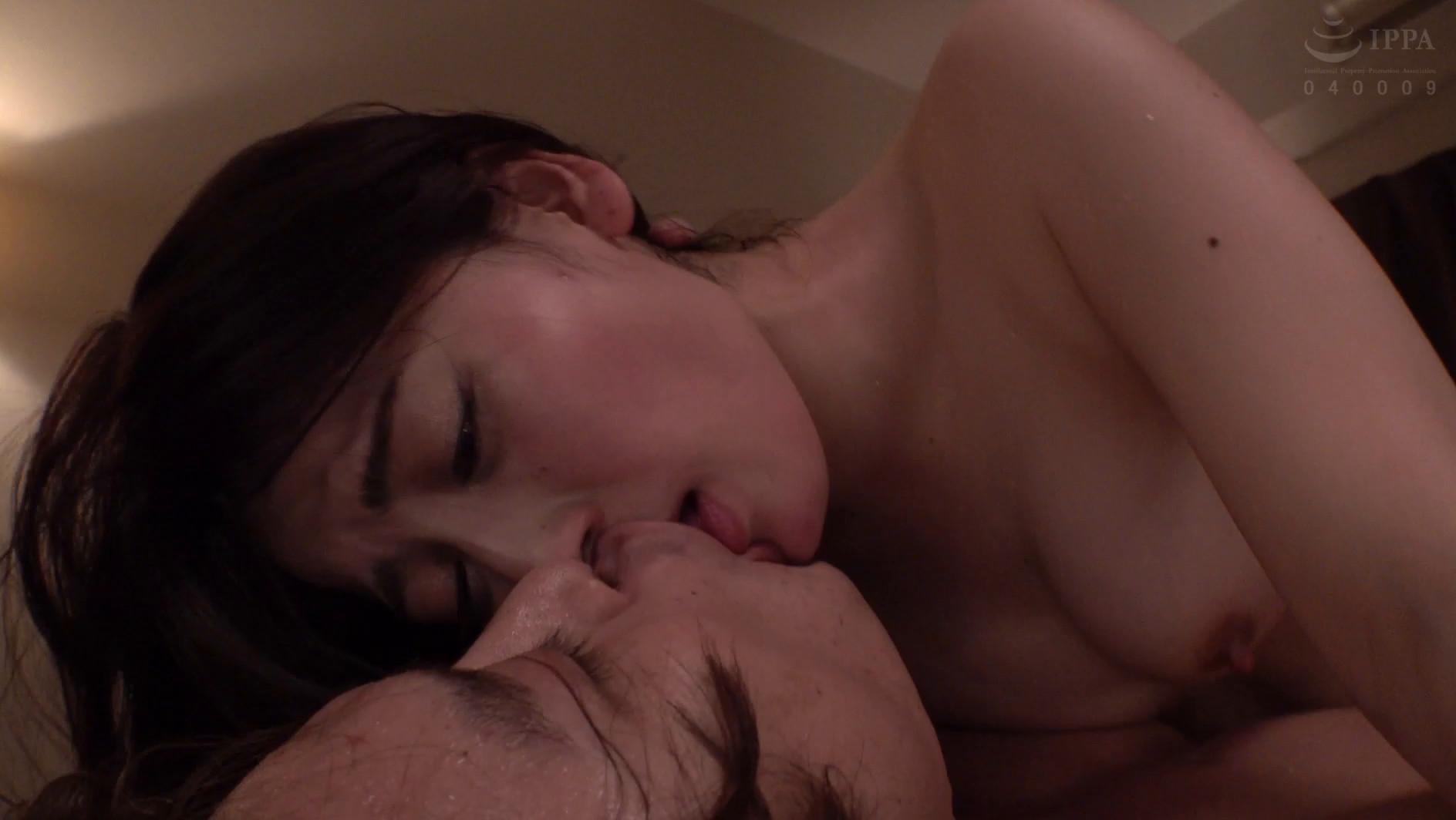キスだけで濡れる敏感妻の【愛液ダダ漏れ汗だく密着性交】~夫に罪悪感を感じながら不倫相手と唾液を絡め合う・・・接吻、接吻、接吻を繰り返す最後のSEX禁断の48時間~ 紗々原ゆり,のサンプル画像19