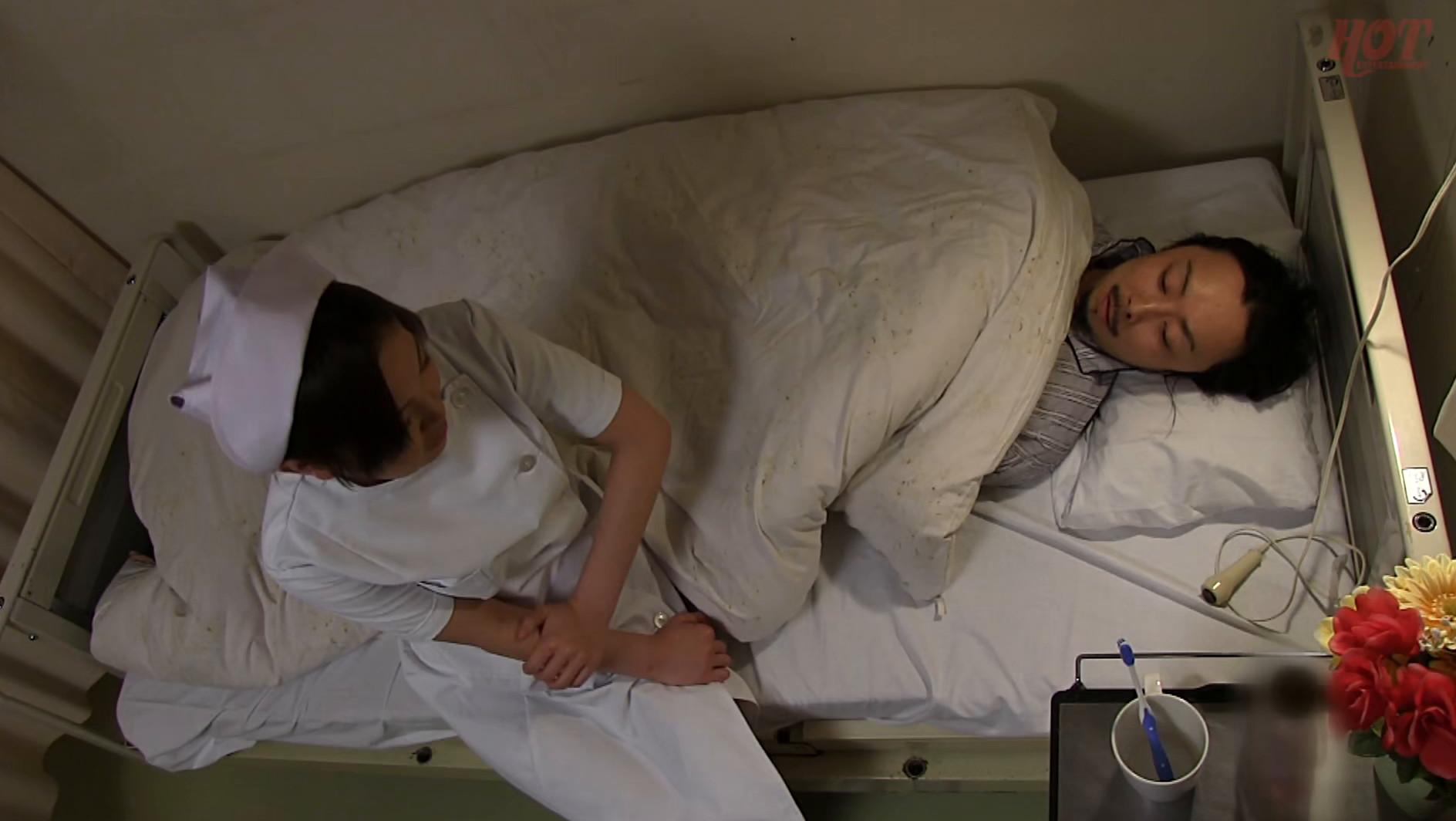 夜勤の熟女看護師 欲求不満おばさんナースはカッチカチ勃起チ〇コで夜中に発情!! 12人