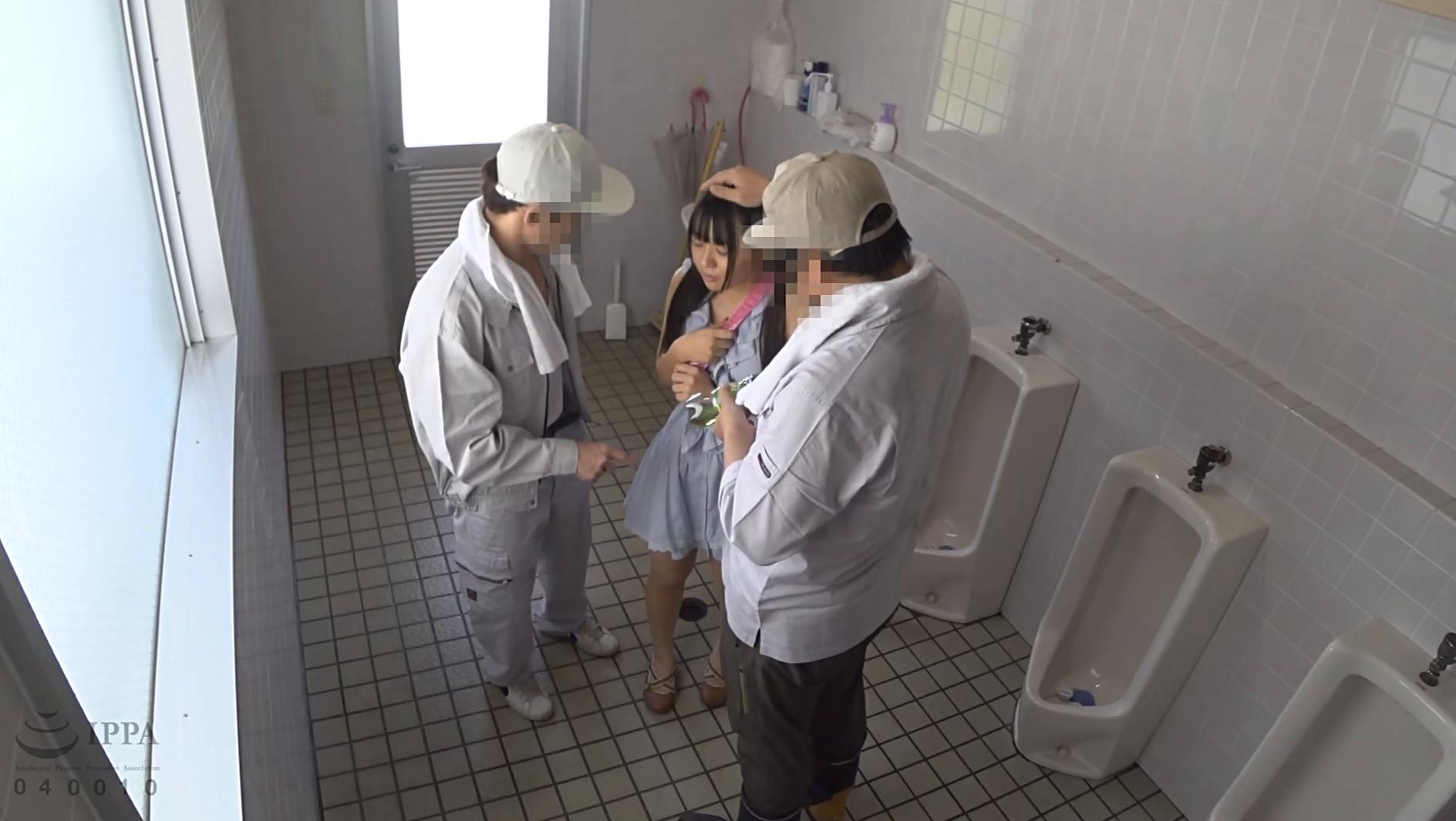夏休み日焼け美少女公衆トイレ強●映像 画像3