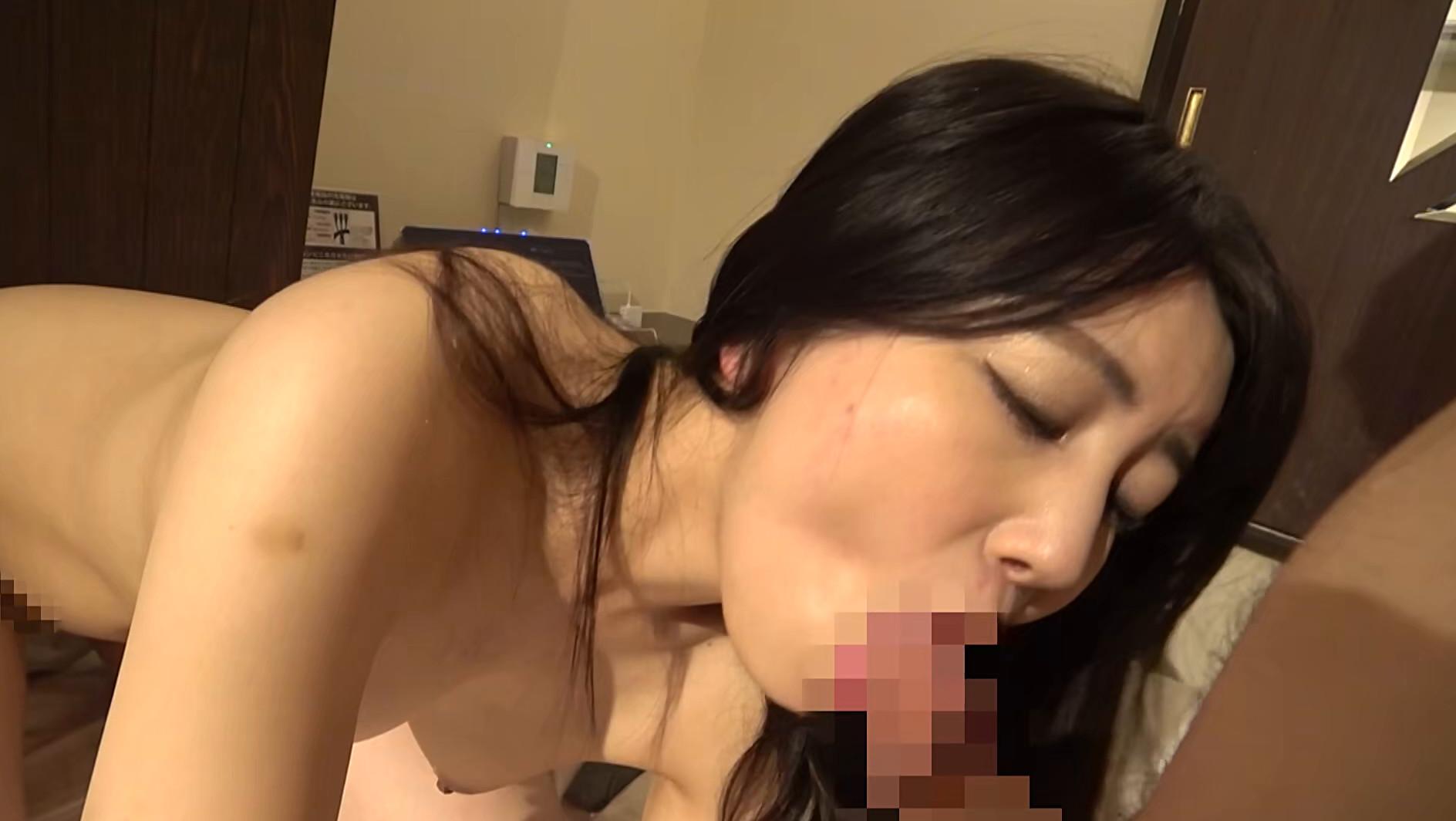 会社の同僚の婚約者を酔わせてホテルに連れ込みNTR 画像16