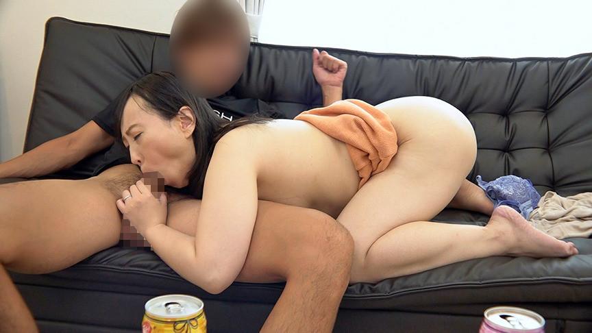 美熟女連れ込みナンパ 男ひでりの欲求不満奥様となし崩しセックスに成功! 登美子さん(48)