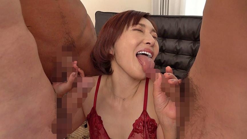 チ〇ポなしじゃ生きていけない・・・チ〇ポを見ると上の口でも下の口でもすぐに咥えちゃう潮吹き蛇舌熟女 普段の品性ある女性からの神豹変っぷりが凄すぎる 48歳カスミさん 画像18
