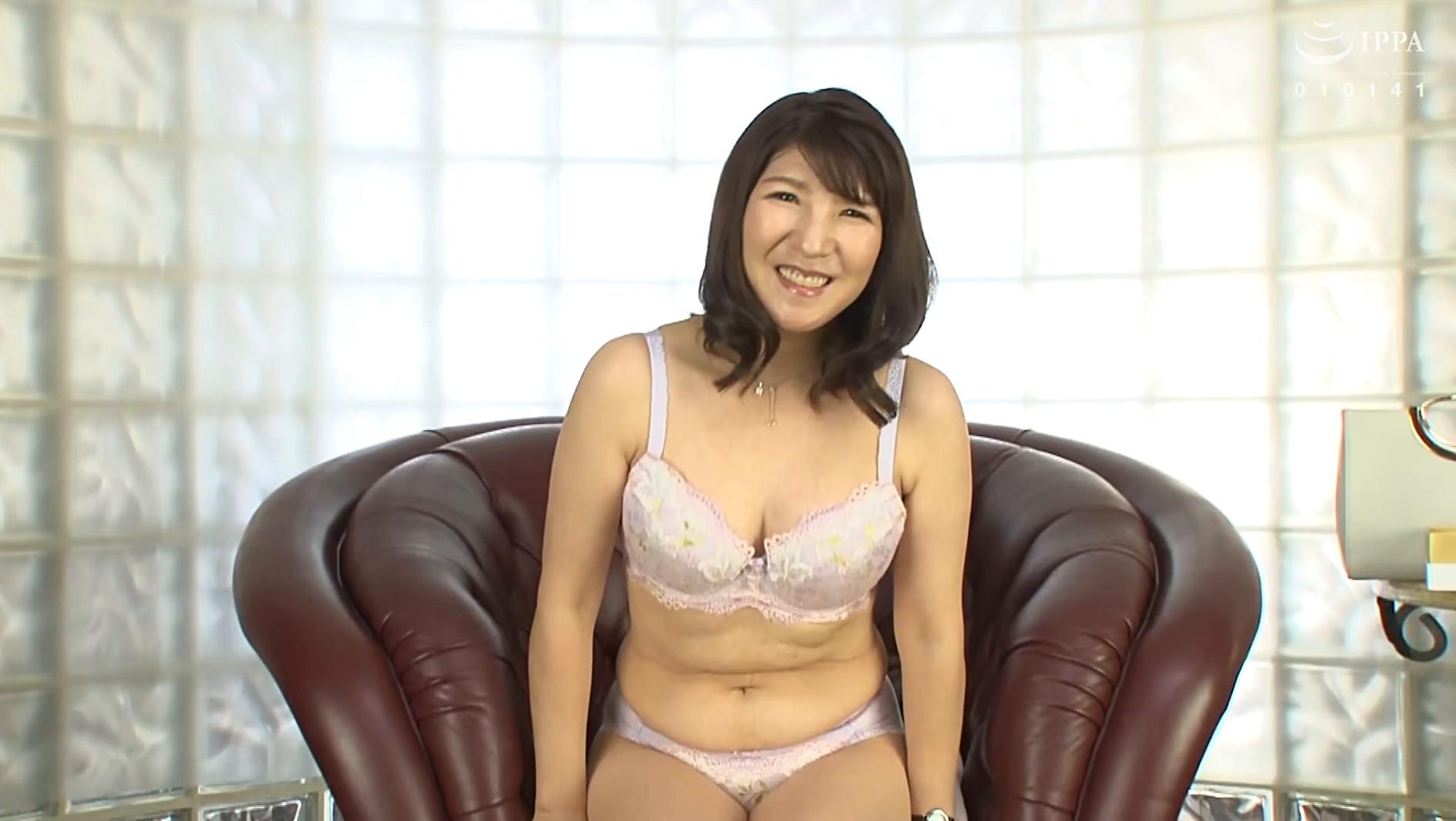 【四十路】こはる 46歳(初脱ぎ・千葉県在住・専業主婦) 画像2
