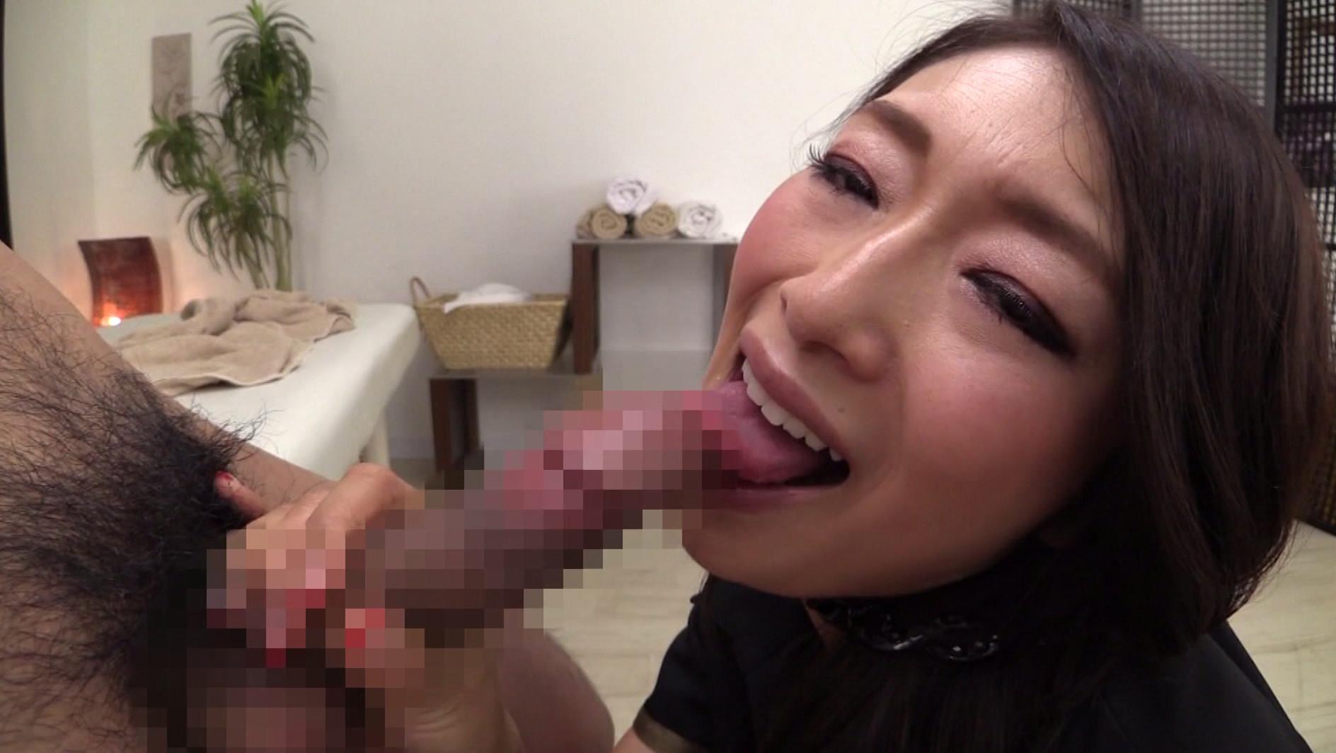 いいのよ、私に生ハメ種付けしちゃって...。淫語で誘惑し膣内射精でイキ狂う美熟女たち 画像13