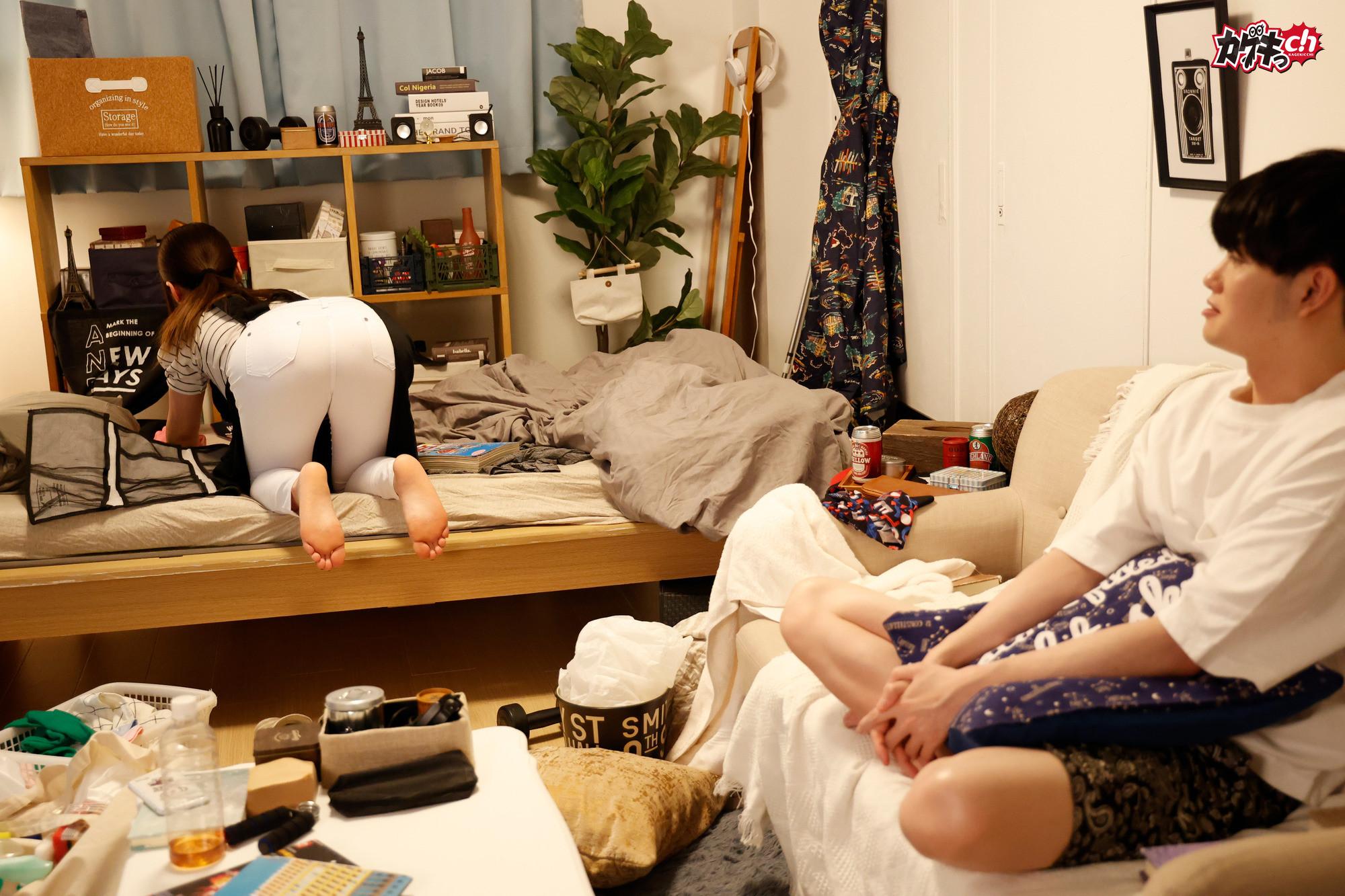 家事代行で来た女は、お掃除フェラまでしてくれる美尻人妻だった!?「旦那よりも大きいっつ!」と自らチ〇ポを求めるムチムチピタパン熟女