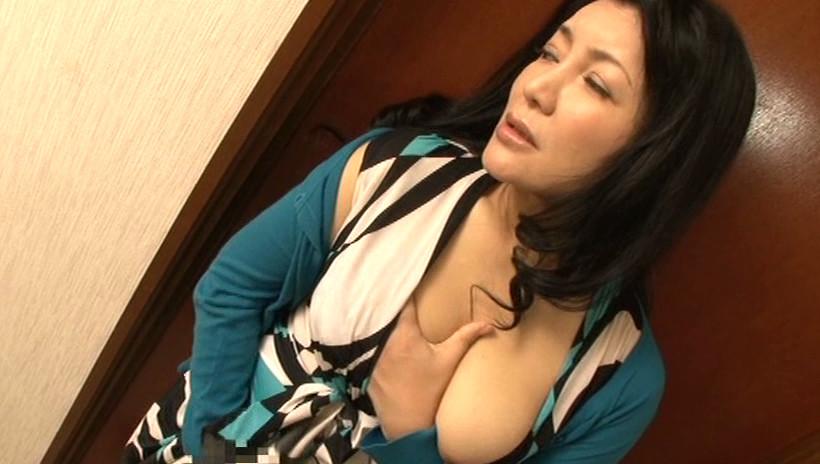 五十路の母に膣(なか)出し 霧島ゆかり21