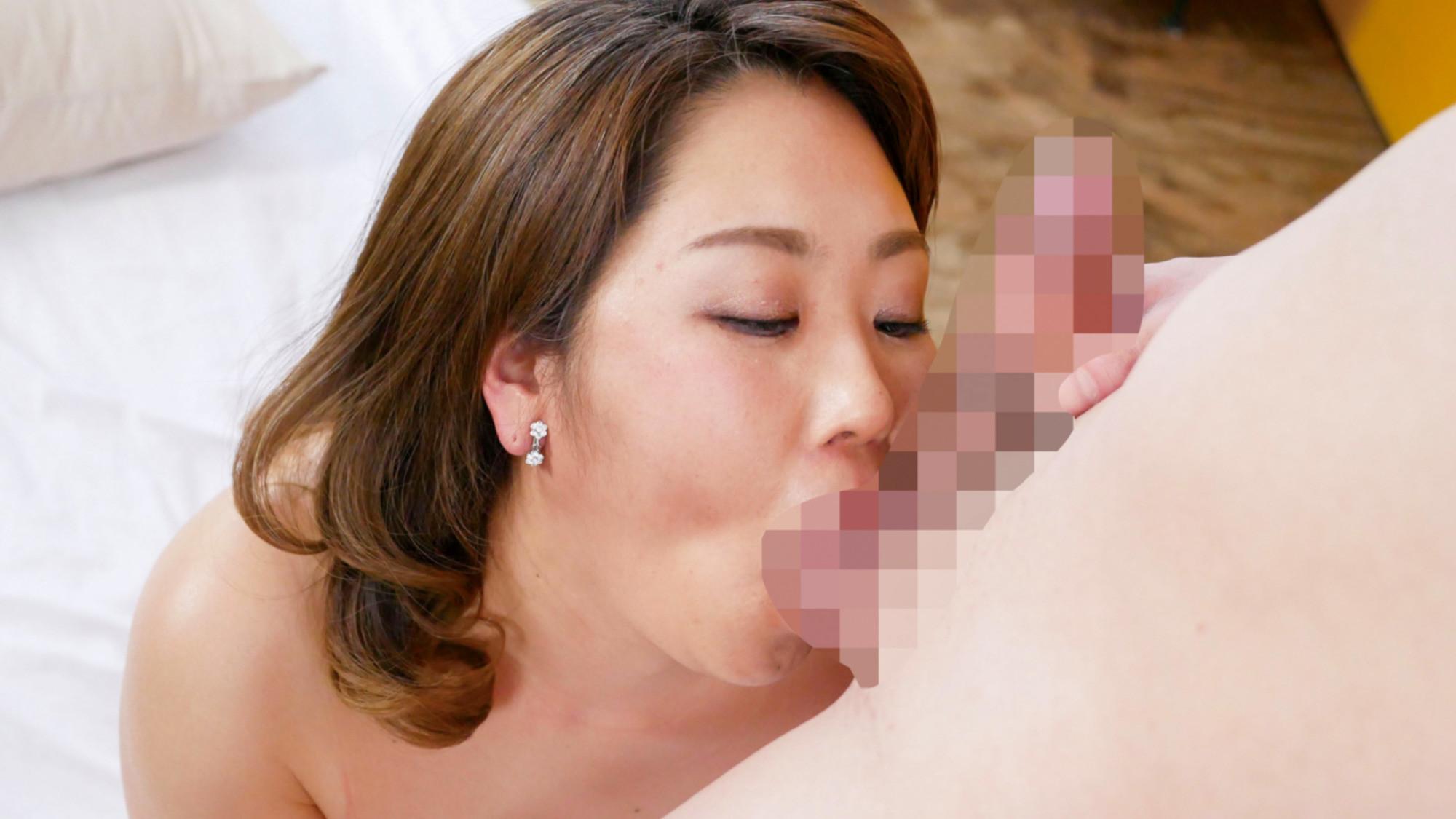 ひさしぶりの貫通に体の奥から震えだす・・・ご無沙汰巨乳四十路妻とゆったり種付けセックス!