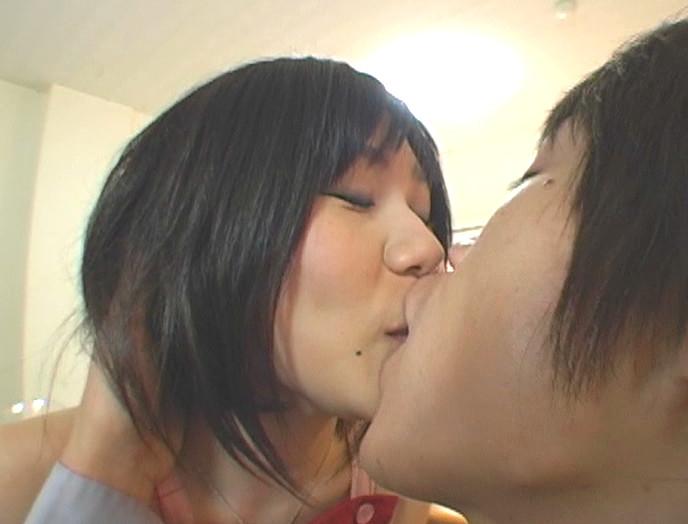女子校生の甘くて濃密な接吻生活 画像11