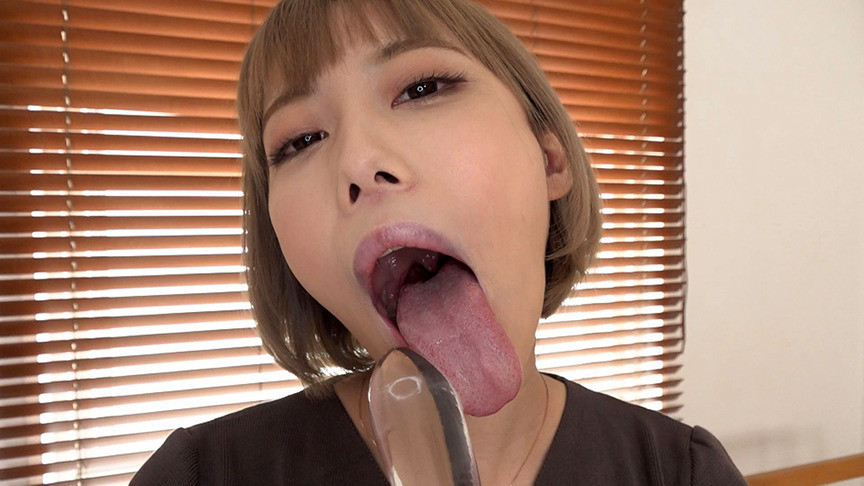 一日中、チ〇ポのことばかり考えています・・・ とにかくフェラチオが大好きで神テクニックを持つ蛇舌妻 川菜美鈴 28歳 結婚5年目