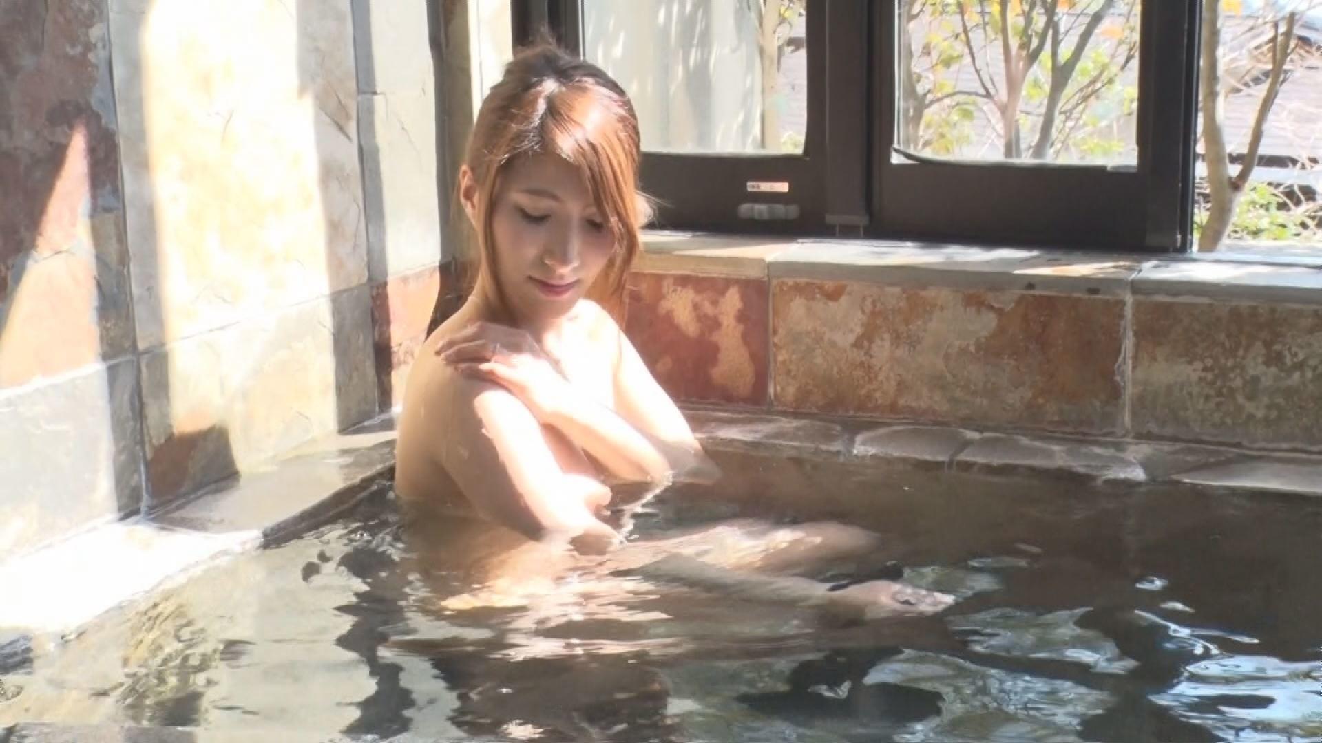 アナルに目覚めイキ狂う人妻 中出し肛門SEX 4時間SP!