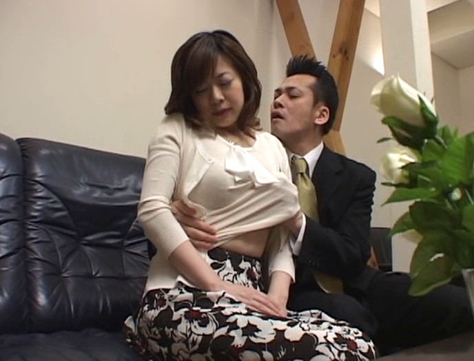 裏口入学人妻レイプ えろかわちゃん!
