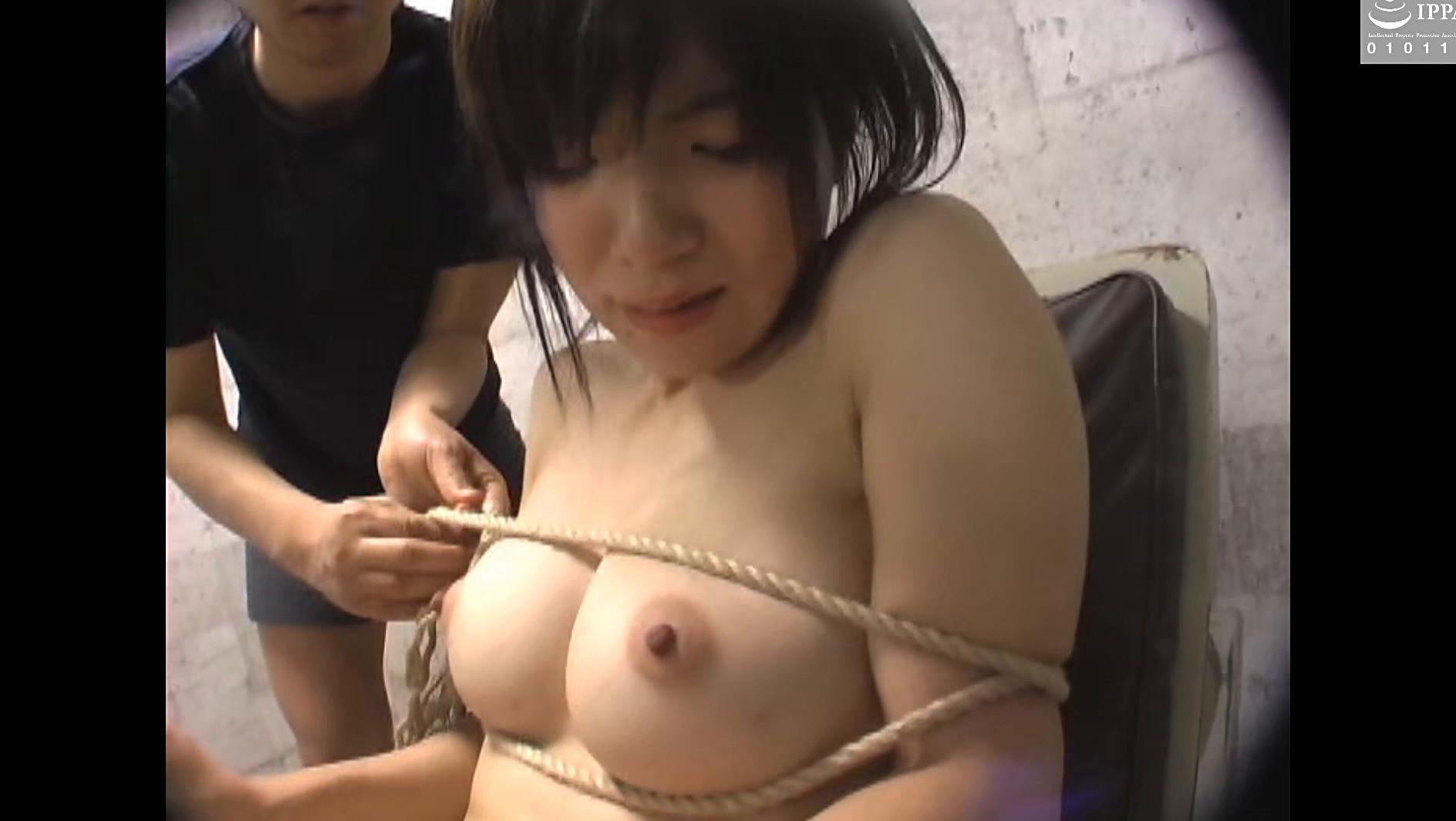 ドM美女を恐怖に陥れ服従させる性玩具遊び9