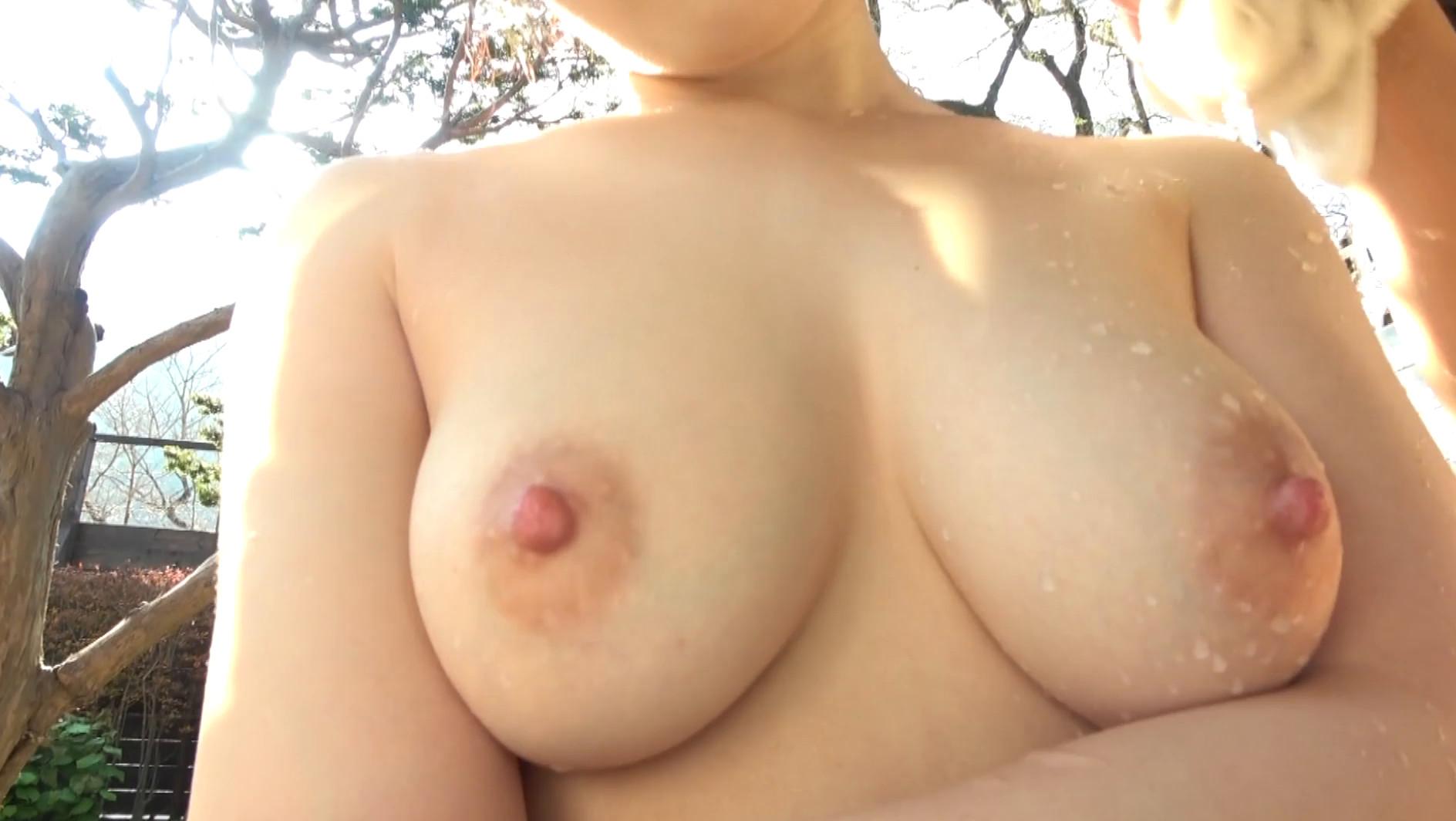 中出し露天温泉 東北出身の色白美肌!むっつりスケベ&卑猥な乳輪パイパン娘 画像21