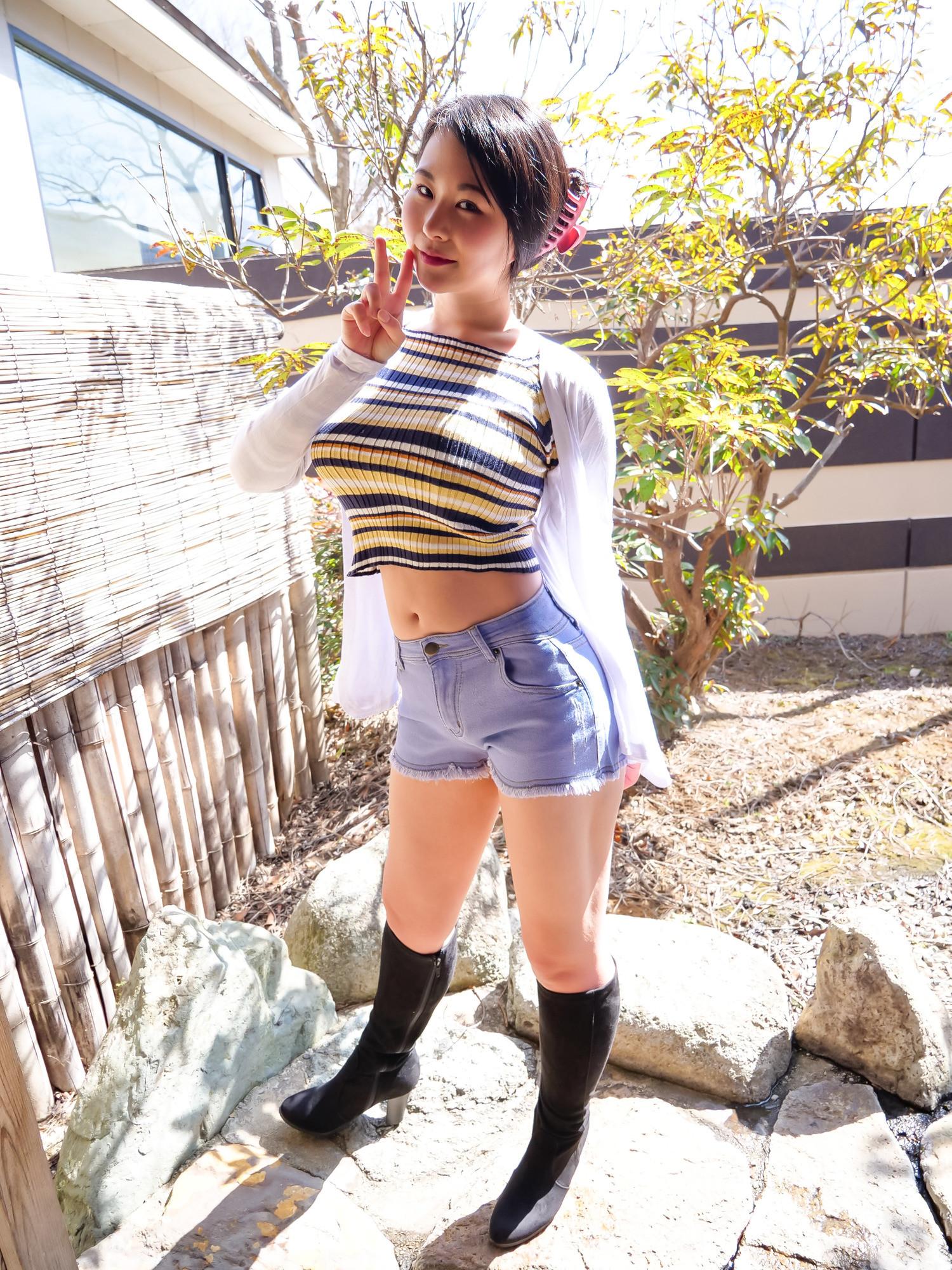 中出し露天温泉 国宝級マシュマロおっぱいIカップむっつりスケベなエロエロお姉さん 画像1